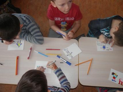 Piešiantys vaikai